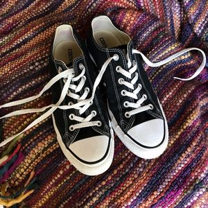 Converse (black)